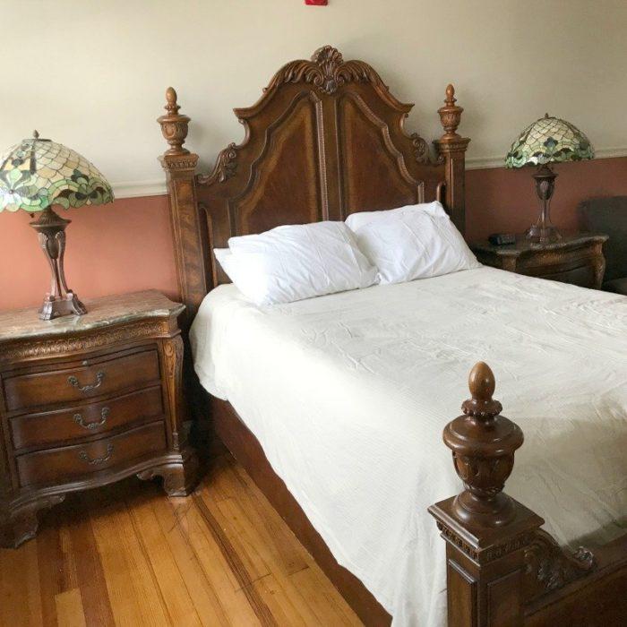 Anna-room-at-ashley-house